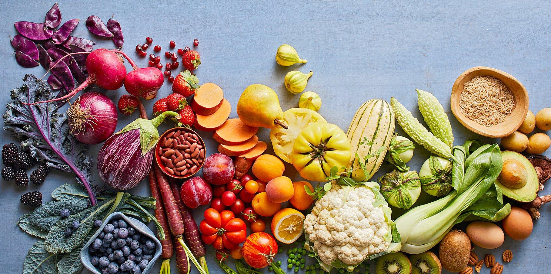 เลือกทานอาหารพวกผักและผลไม้จะดีกับร่างกายของเรา